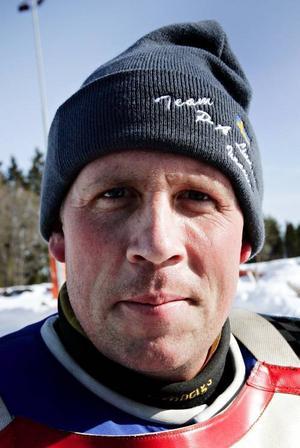 P-A  Lindström.