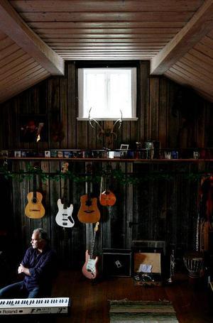 Sedan 1995 har Gustav Hylén drivit en musik- och ljudläggningsstudio i den gamla bryggstugan intill familjens boningshus. Här finns kök, toalett och ett sovloft med sex bäddar, så att artisterna helt enkelt kan sova över medan skivinspelningen pågår.