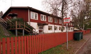 En av skolorna i Hudiksvall som Carl-Ingel Arvidsson ritat är Malsta skola. ARKIV