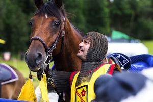 Sir Lancelot även kallad Slawomir Brydzinski tillsammans med sin vinnarhäst.