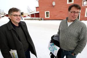 Riksdagsman Per Åsling och kommunalrådet Anders Häggkvist presenterade centerns nya program för glesbygden i Härjedalen.Foto: Håkan Degselius