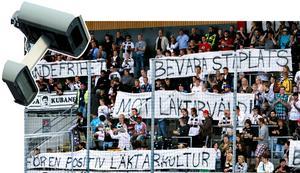 Kameror på Behrn arena. Supportrarna på bilden har inget med texten att göra.