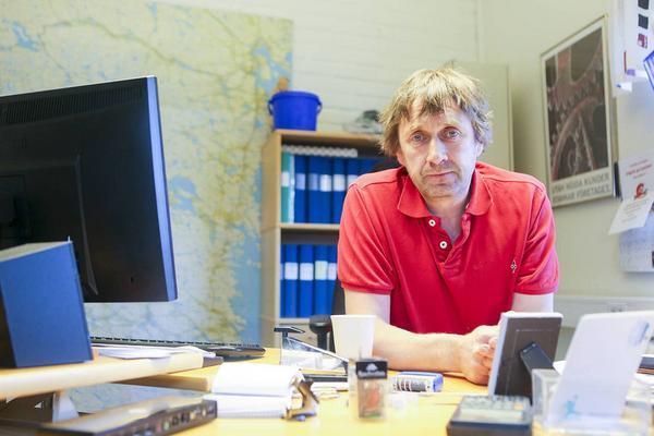 Sven-Åke Jonasson, transportledare på Reaxcer, vill få till dialog mellan å ena sidan åkare och chaufförer i Härjedalen med omnejd, å andra sidan Trafikverket och dess entreprenör Peab, som har uppdraget att sköta halkbekämpningen i Härjedalen.