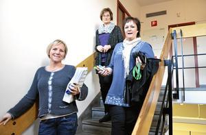 På offensiven. Heléne Broberg, Eva Boström och Åsa Sjögren jobbar, tillsammans med mentorerna, med att minska skolket på Lindeskolan.