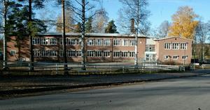 Vasaskolan utsattes för inbrott – men inbrottstjuven greps på bar gärning av en ledig polis som gick förbi tillsammans med två kompisar.