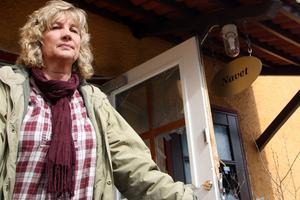 Karin Öblom, chef inom handikappomsorgen kom till Navet för att hjälpa till.