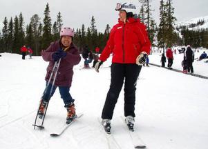 Hkawn Nan från Myanmar (Burma) har bara bott i Sverige i tre månader och tyckte det var roligt att åka skidor.