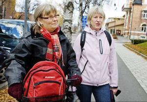 Anita Roos, till höger, är uppvuxen i Mörsil men har bott i Östersund många år.