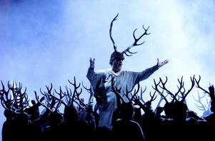 Metropolitans operor direktsänds på Folkets hus i Hallstavik. I december står Giuseppi Verdis Falstaff på tur.