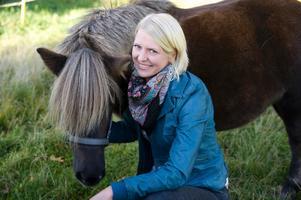 Thilde Höök, hästbonde från Månkarbo, hoppas hitta kärleken i