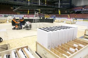 Sveriges största skärm med 360 graders videoyta installeras nu i Tegera arena.