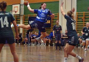 Eva Johansson och de andra spelarna i Arbrå HK reser till Italien på måndag.