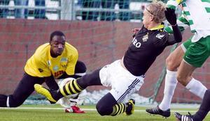 Christian Caulker hyllades efter VSK:s genrep och vaktar troligen målet mot Åtvidaberg.