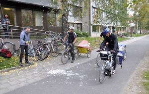 Cykelturen Galdhöpiggen tur och retur bjöd på en del strapatser men de tre tappra gymnasisterna har haft roligt. Vid ankomsten till Östersund var det idel glada miner.