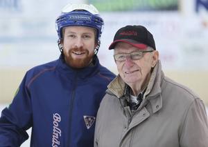 Börje Söderbäck med dottersonen Jesper, assisterande tränare i dagens Bollnäs GIF.