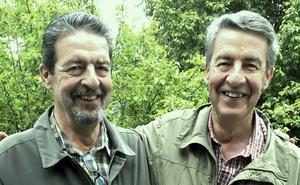 Stefan Sandström i Edsbyn och Stellan Mörtsell i Bollnäs är som synes tvillingar. Det enda som skiljer dem åt är skägget.