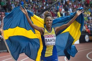 Idel jubel efter Meraf Bahtas guldmedalj på 5 000 meter.