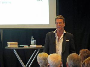 – Jag tackar nej till mycket, men det här var det självklart att tacka ja till, säger Björn Ranelid som gästade bokmässan i Falun. .