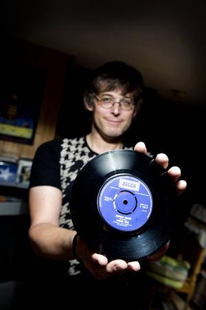 Kansas Hooks singel Nervous shakin' är den dyraste skiva – i reella pengar – som Per Kjellin någonsin har köpt. Men 1989 köpte han en skiva av Sir lord Baltimore på auktion för 490 kronor. Den har han tre upplagor av.