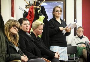 Linn Robertsson hade med sig protestlistor mot större barngrupper i förskolan.