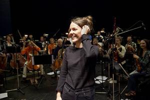 Isabella Lundgren spelade in tillsammans med Nordiska kammarorkestern med musiker som främst kommer från olika delar av Västernorrland.