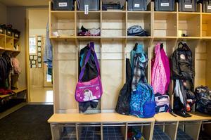Elever berättar att de känner sig osynliga och utanför gemenskapen.