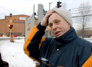 """Tragiskt. """"Det är tragiskt och jag tror att det här bara är början"""", säger Bengt Sundqvist efter tisdagens varsel. Själv har han arbetat på Ovako i 33 år."""