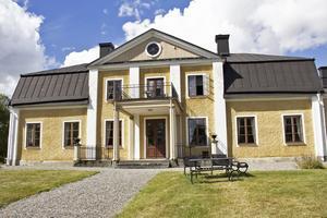 Rum. Thottska villan, som har 14 rum för övernattning, har fått sitt namn efter Clas Thott som var den sista ryttmästaren som bodde här.