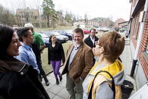 Sven-Erik Lindestam (S), Faxeholmens vd Petri Berg och Birgitta Tapper PRO gläds de åt att det blir ett medborgarkontor i Ljusne.