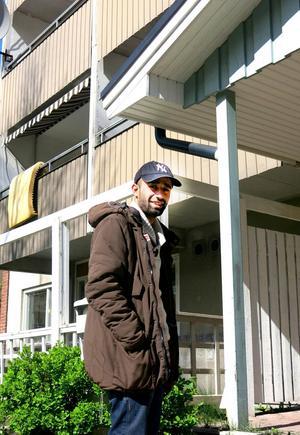 Amanij Ibrahim är en av många hyresgäster på Nordost som ser fram emot stadsdelsförnyelsen.