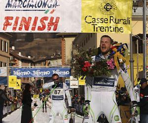 Jörgen Aukland var starkast i sista uppförskörningen till målet i Cavalese. Jörgen var två sekunder före brodern Anders.