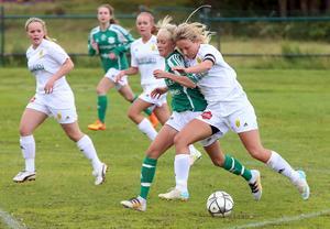 Alltid allerta Camilla Larsson var svårstoppad när härjedalstjejerna vann mot Frösö/KD.