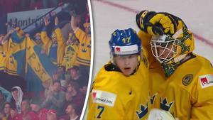 Felix Sandström klappas om efter att Sverige gått vidare till semifinal.
