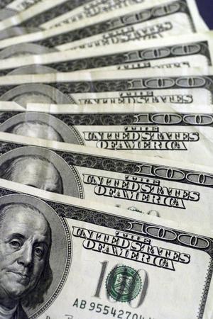 För en större privatkonsumtion. Amerikanska centralbanken Federal Reserve injicerar kontinuerligt likviditet i penningmarknaden för att få de ekonomiska hjulen att snurra snabbare, skriver Mikael Suvero.