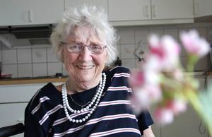 Karin Frödin har svårt att förstå att hon blir 90 år tisdag den 7 juli. Hon känner sig ju inte så gammal.