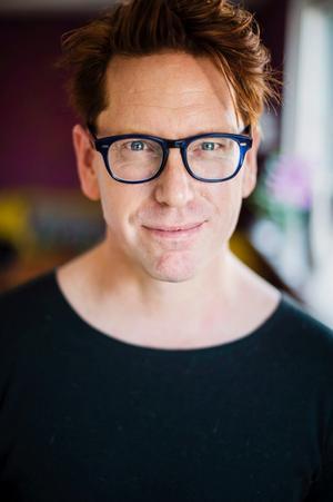 Stefan Nilsson har grått kök. Han tycker att grått är den perfekta basfärgen.