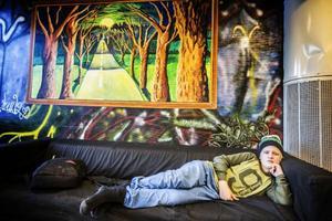 Linus Fröberg, 13 år, bor i Nälden men ska inte vara där så mycket på lovet.– Jag ska åka till Stockholm och fira för min mamma bor där, säger han.Han har inte planerat så mycket för lovet ännu men tycker att det ska bli skönt att vara ledig.