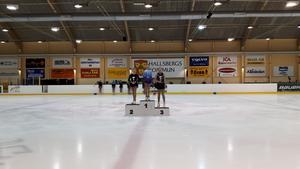 Liza Brorsson Emilsson vann med fyra poängs marginal och fick kliva överst på pallen i Hallsberg.