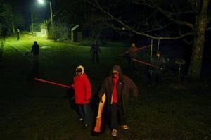 """Bild från polisens rekonstruktion av skottdramat i Rödeby i oktober 2007. Händelserna i Rödeby skildras i ett av avsnitten av SVT-serien """"Fallet"""" som sänds i höst. Foto: Polisen"""