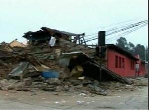 Stora delar av staden Constitucion ligger i spillror. En halv miljon chilenska bostäder har förstörts i jordbävningen.