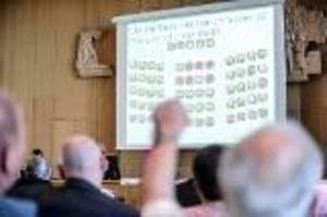 Ja-sidan vinner omröstning om att kanske sälja Bro 4:4 till Bollnäs GIF Bandy i framtiden.