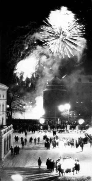 Pang vid slottet. Fyrverkerier avslutade jubileumsåret, som enligt dåtida uppgifter blev en stor succé.