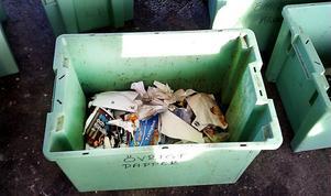 Det största problemet enligt Hans-Åke Eriksson är att mycket förpackningar och returpapper slängs i våra sopor.