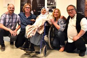 Björn Johansson, Marco Glijnis, Corina Glijnis-Noom och Janne Bäckman poserade med Shah Sultan (mitten) som är 96 år och kommer från Ghazni, men föddes i Kabul, Afghanistan.