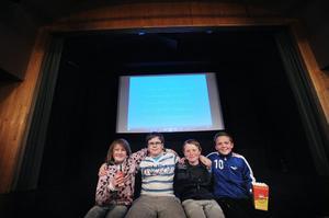 Sanna Edh, Robin Edh, Johannes Svedberg och Johnny Lindsström är några av de filmproducenter som på tisdagen visade sina filmer i biografen i Kilafors.