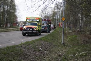 I dag, måndag, skedde en mopedolycka på Axel Johnsons väg.