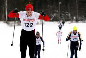 Åt Martin Lundgren, Sundsvalls OK, var det inget att göra i spurtuppgörelsen på 20 kilometer klassiskt stil. Den här dagen stakade han ifrån allt och alla.
