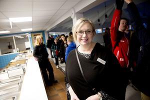 Marie Forsberg, rektor på Engelska skolan i Falun har fått positiv respons från elever och föräldrar på frukostserveringen.