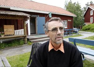 – Förra veckan gick Stocke Titt i konkurs och den tidigare arrendatorn Kjell Strömberg är nu tills vidare anställd av Frösö hembygdsförening.