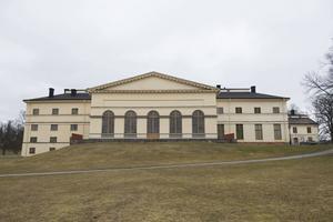 Drottningholms Slottsteater fyller 250 år och firar bland annat med två operapremiärer.